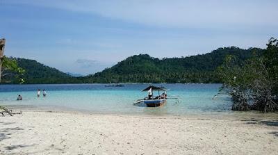 Pesona Pantai Kelagian Lampung