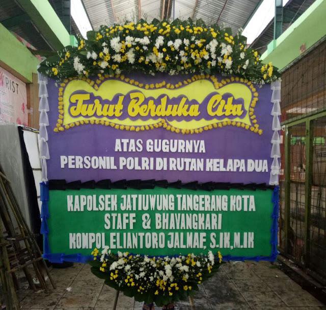 Polsek Jatiuwung Polres Metro Tangerang Kota Kirim Karangan Bunga Duka Cita Insiden Mako Brimob