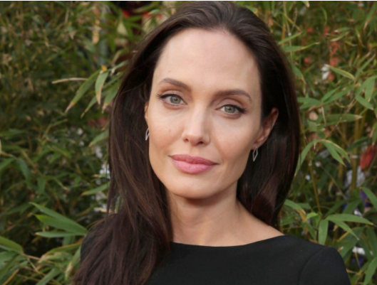 """""""I don't enjoy being single, it's not something I wanted"""": Angelina Jolie opens up in new interview"""