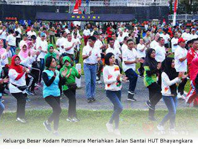 Marga Taufiq dan Keluarga Besar Kodam Pattimura Meriahkan Jalan Santai HUT Bhayangkara