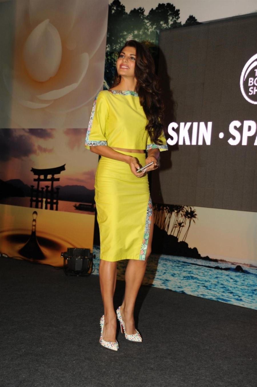 Jacqueline Fernandez Hot Legs Show Photos In Short Yellow Dress