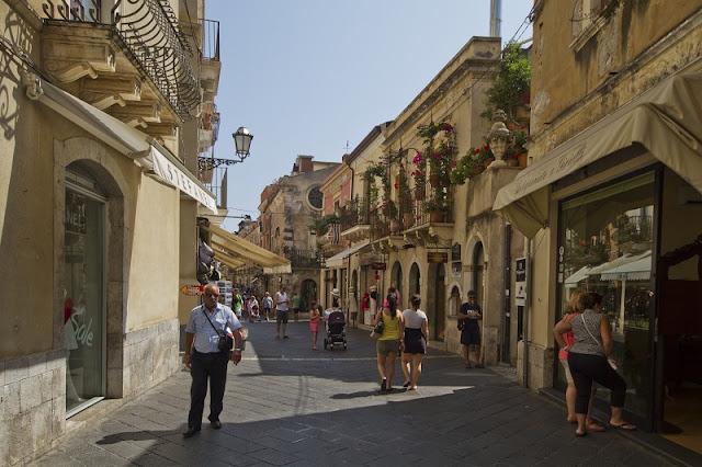 Rua Corso Umberto em Taormina