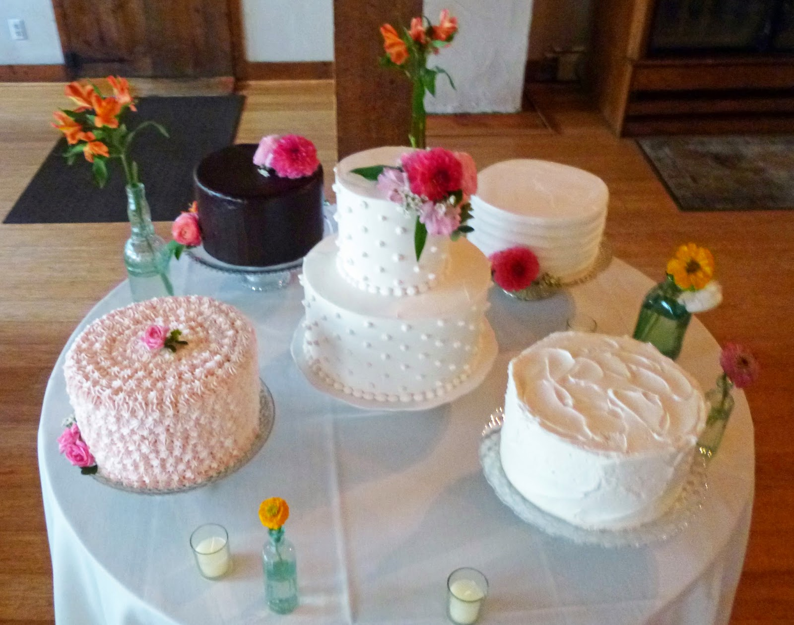 multiple wedding cake table artisan bake shop our favorite venues for wedding cakes 17660