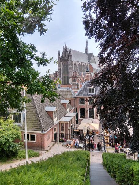 Concluída a visita a Leiden, regressa-se a Alphen aan den Rijn, é tempo de  conhecer o lugar onde se dorme e come, é uma cidade com cerca de 110 mil ... 4afb115e88