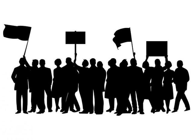 """Πορεία του Σωματείου εκπαιδευτών οδήγησης Αργολίδας """"Αργέας"""" στο Ναύπλιο"""