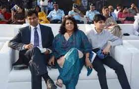 Raghuram Rajan Family Wife Son Daughter Father Mother Age Height Biography Profile Wedding Photos