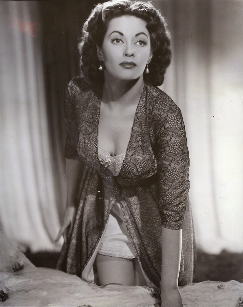 Are right, Sexy nude yvonne decarlo pictures all