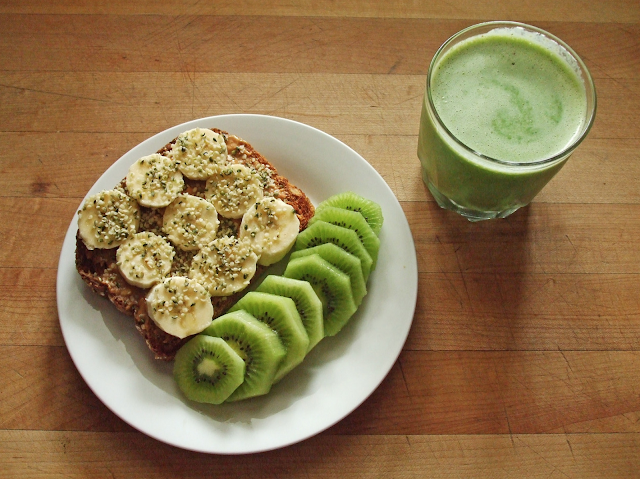Toast, Kiwi, Banana, Peanut Butter Toast, Green Smoothie, Smoothie, Healthy Food