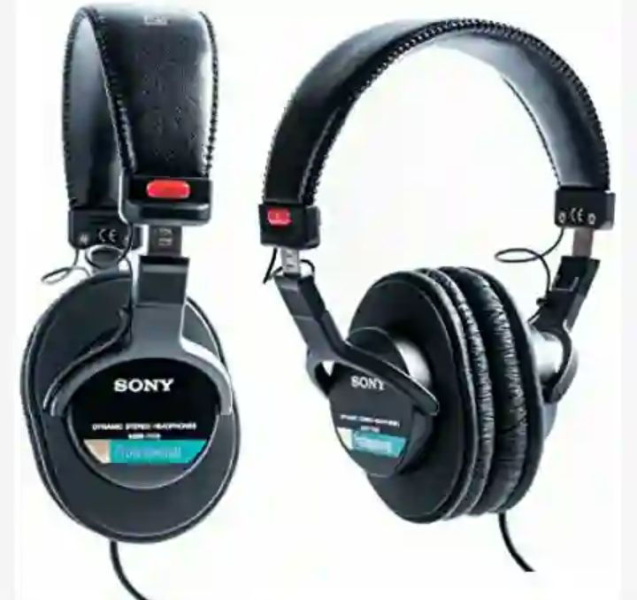 Sony Studio Headset - MDR7506 Foldable Stereo Headphones for Audio-Sound Multimedia Productions