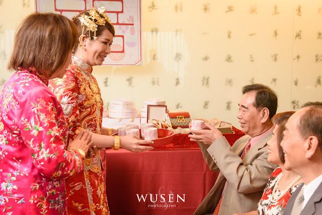 龍鳳褂奉茶儀式