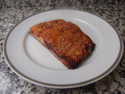 Salmón marinado con miso