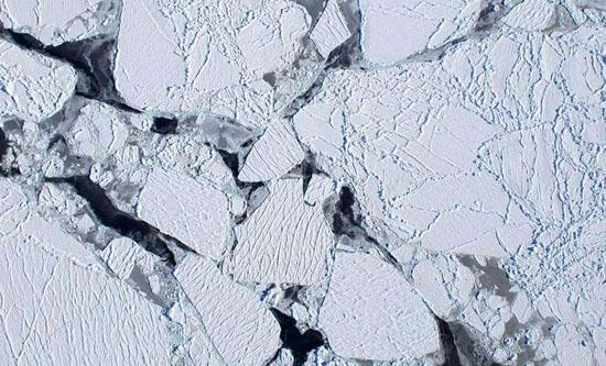 Algo estranho e quente se esconde sob o gelo da Antártica - Img 1