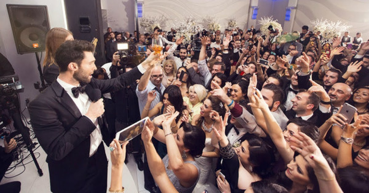 [Video] Maroon 5 Crash Real Weddings For Music Video