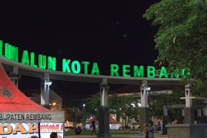 Serunya Jajan Lesehan di Alun Alun Kota Rembang