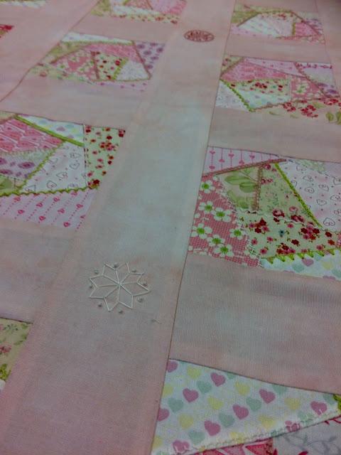 Trabajos de alumnas: mantita de cuna de patchwork
