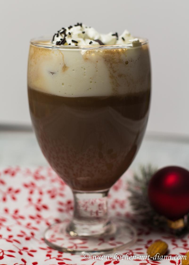 Heiße Amaretto-Schokolade