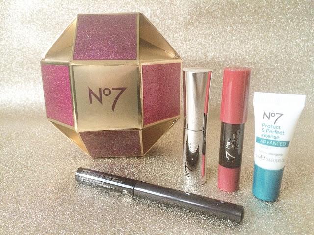 no7-beauty-bauble-01
