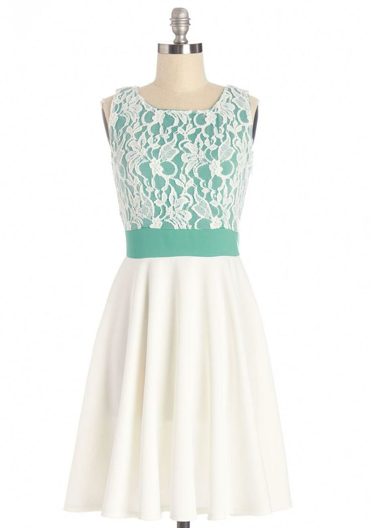 Stylish Sleeveless Patterned Dress