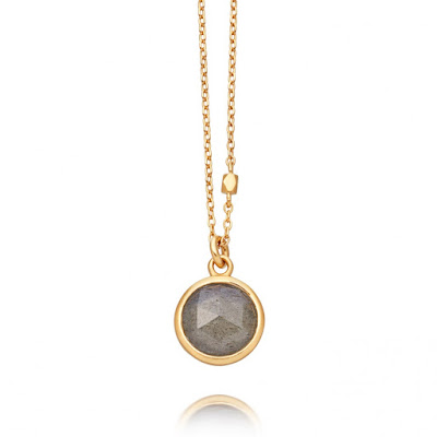 Astley Clarke Round Labradorite Stilla Pendant - This simple pendent features a rose cut labradorite gemstone. It's more pale than some other stones but it great for someone looking to add a gemstone into their jewellery collection. Labradorite is also known as a 1st year anniversary stone and this is the perfect stone to gift to someone or celebrate a 1st year anniversary.