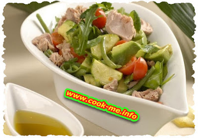 Tuna salad with cheese