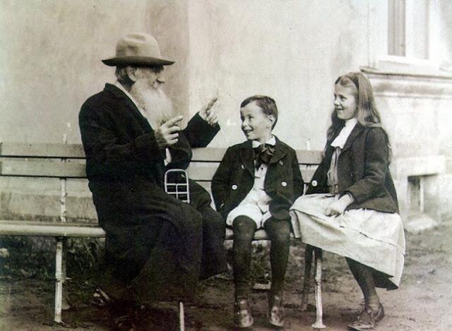 el club de los libros perdidos, tolstoi, Friedrich Nietzsche,