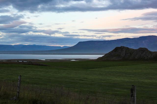 Bordeando la península de Vatnsnes