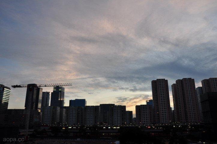 同一天空下