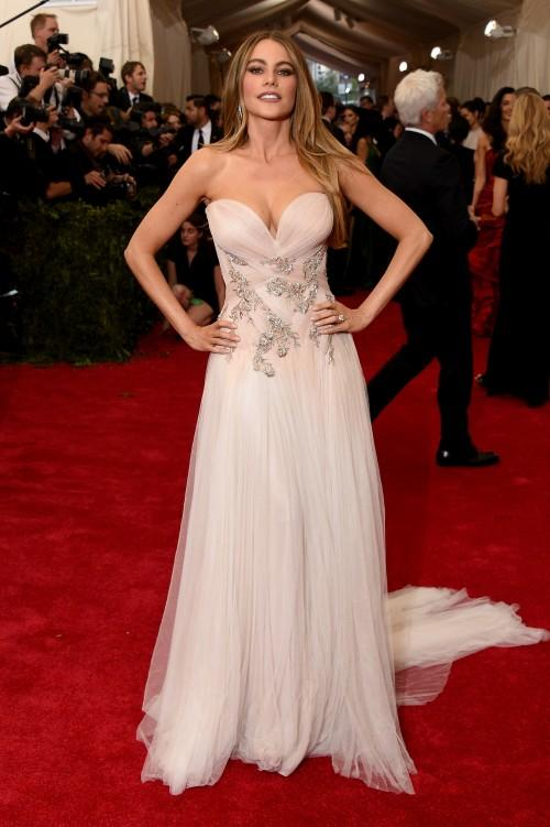 Sofia Vergara in Marchesa Sofia