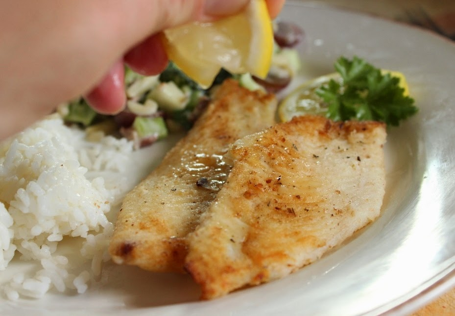 How to Pan Fry Fish Fillets Step 5: Drizzle with fresh lemon juice