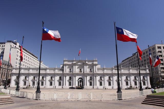 Conhecer o Palácio de La Moneda em Santiago no mês de fevereiro