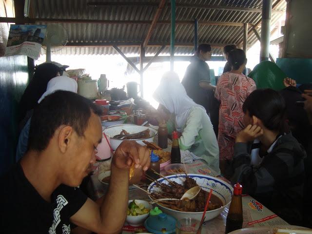 soto kimar di komplek wisata kuliner ngaliyan