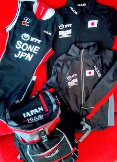 トライアスロン日本代表選手の公式ユニフォームやバック