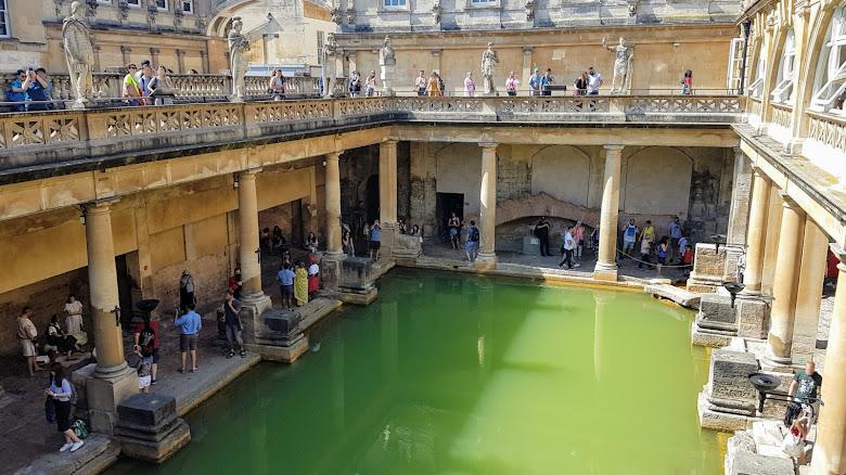羅馬主浴場,滿滿都是人啊