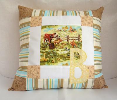 Именная подушка с буквой - подарок девочке на день рождения