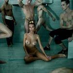 Emily Ratajkowski Vuelve a Enseñarnos Sus Perfectas Tetas. Esta Vez Posando Para Tony Duran. Foto 8