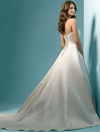 i heart wedding dress alfred angelo 1136. Black Bedroom Furniture Sets. Home Design Ideas