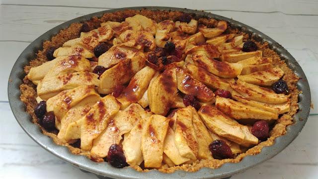 Tarta de manzana con arándanos