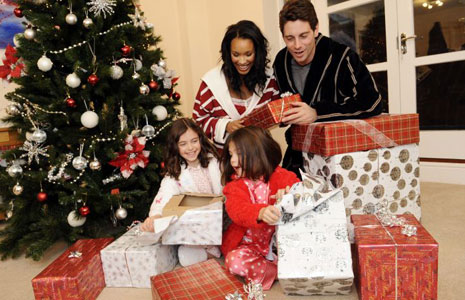 Life-Happily: MERRY CHRISTMAS EVERYONE