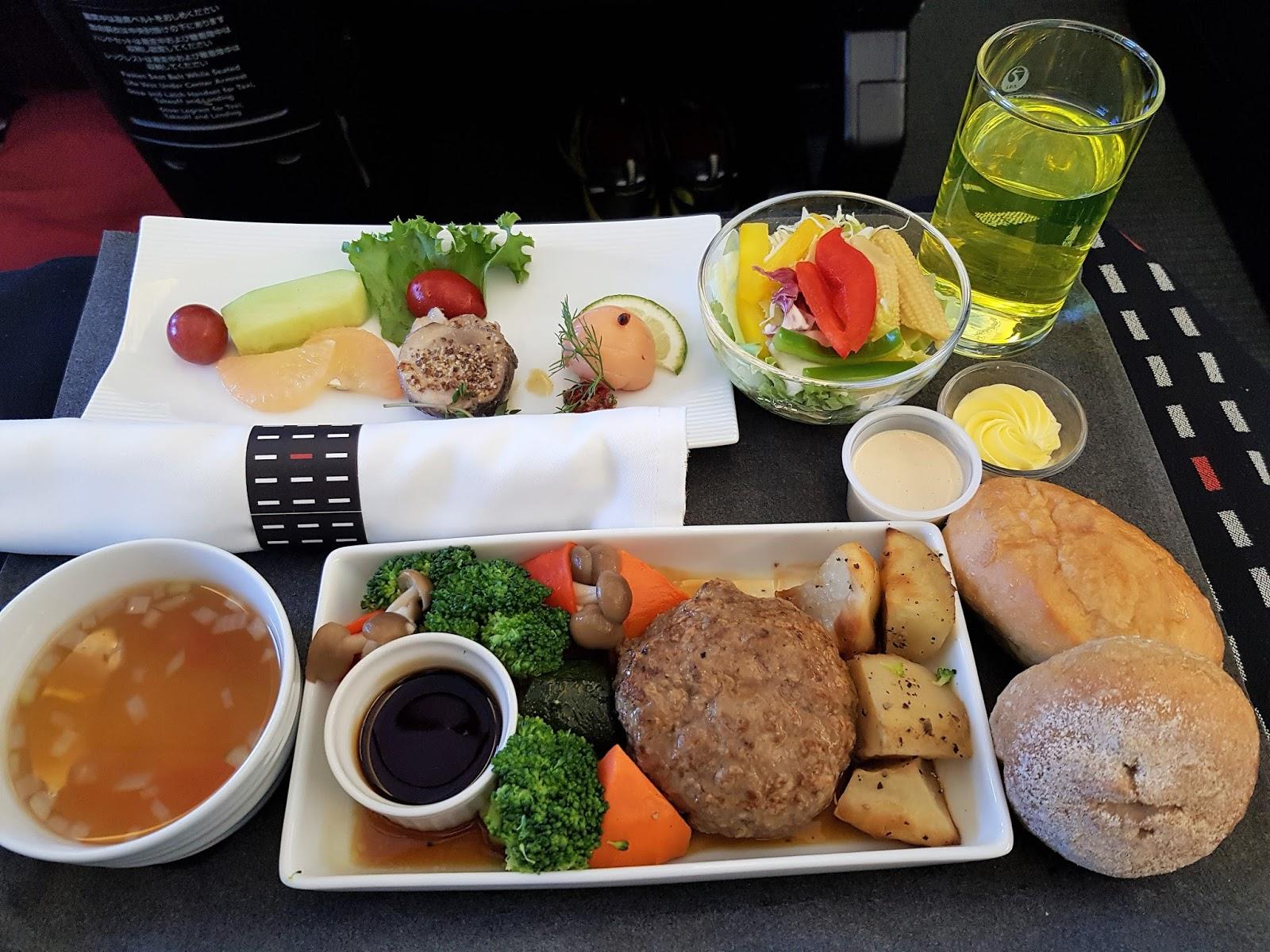 日本航空JL96: 台北松山TSA → 東京羽田HND商務艙飛行紀錄 (B767-300)