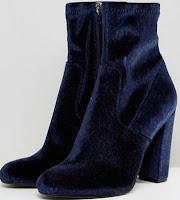 http://www.asos.com/steve-madden/steve-madden-editt-velvet-heeled-boots/prd/8217037?clr=navyvelvet&SearchQuery=&cid=13690&pgesize=5&pge=0&totalstyles=5&gridsize=3&gridrow=1&gridcolumn=1