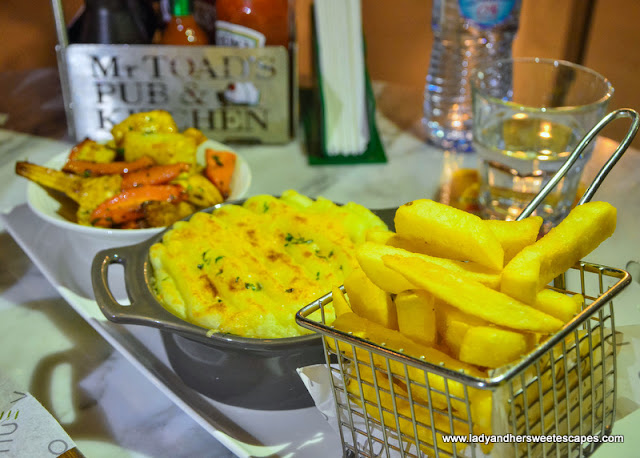 shepherds pie in Mr. Toads Dubai