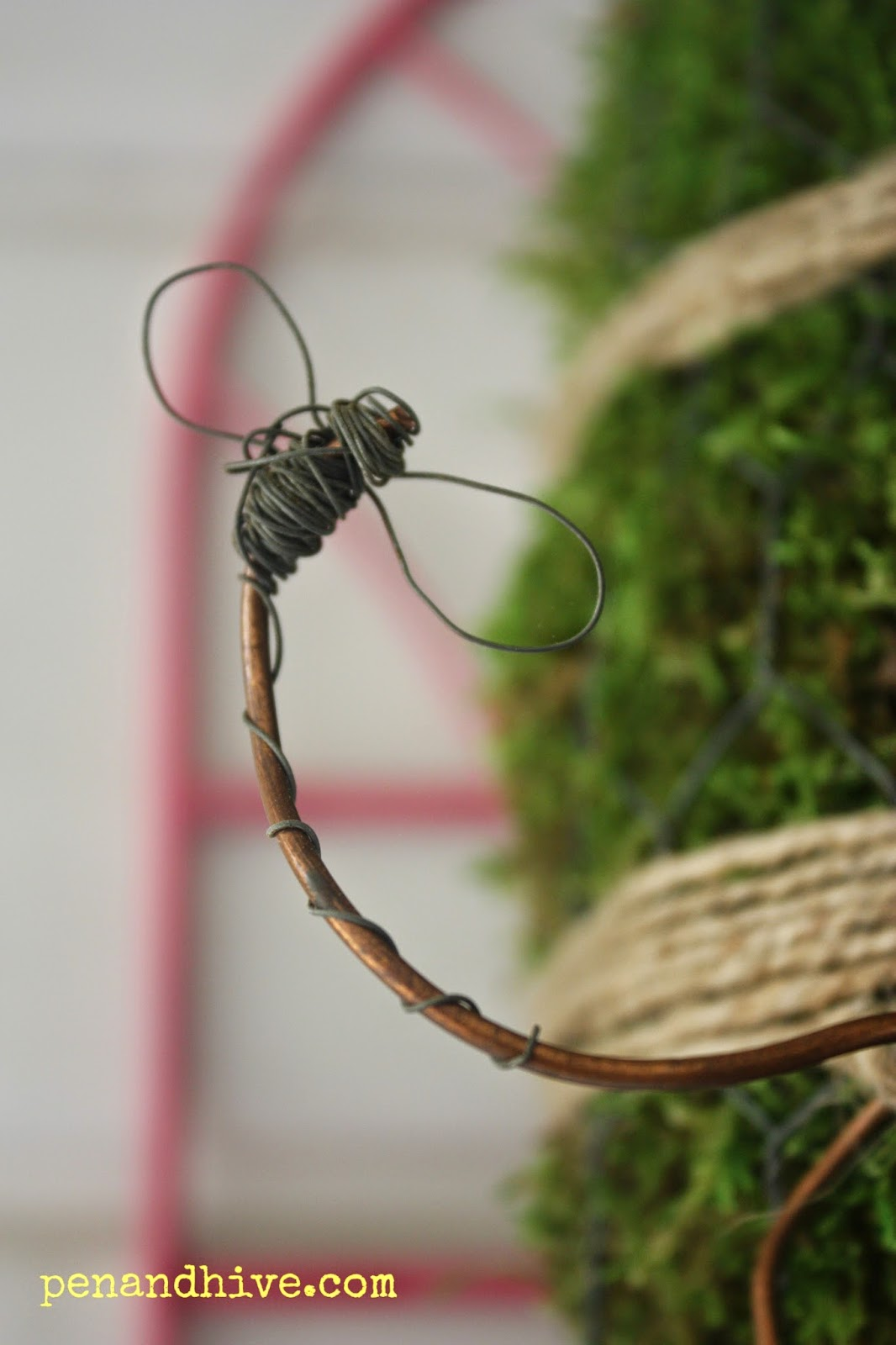 wire bee