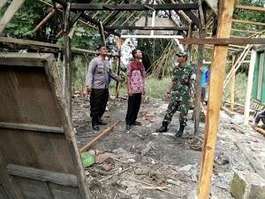 Kebersamaan Tiga Pilar Karya Bakti pembenahan rumah Tidak Layak Huni