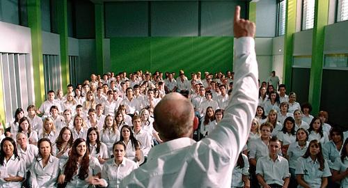 Estudiantes en el aula - 3 10