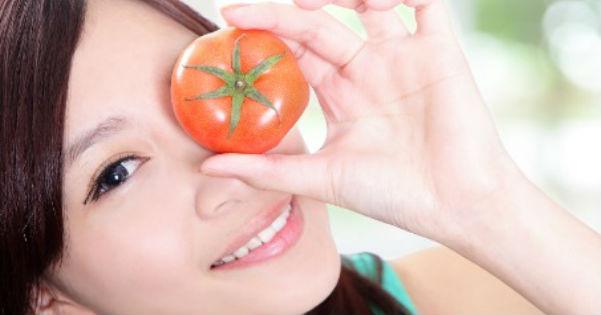 cara menghilangkan minyak diwajah dengan masker tomat