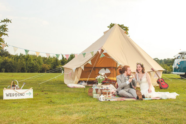 boho+bohemian+hippie+tent+carnival+circus+elope+elopement+wedding+bride+groom+1960s+60s+retro+volkswagon+vw+van+shabby+chic+earth+eco+friendly+organic+rustic+bohemian+weddings+photography+1 - Rain on my parade!