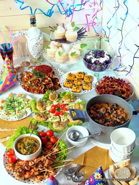prywatka, sylwesterowa domowka, menu imprezowe, impreza, domowe jedzenie, przekaski, menu na sylwestra