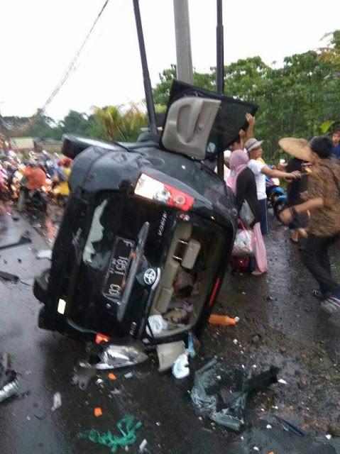 Tabrakan Beruntun di Mega mendung Puncak Bogor