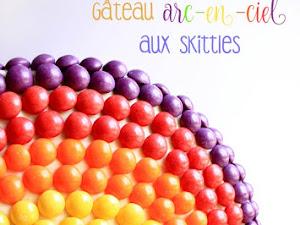 Gâteau arc-en-ciel aux skittles