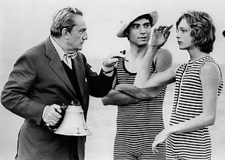 Visconti with the actors Sergio Garfagnoli and Bjorn Andresen (right) on the set of Death in Venice